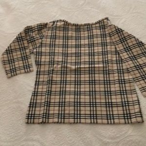 BURBERRY 3/4 sleeve top with stretch